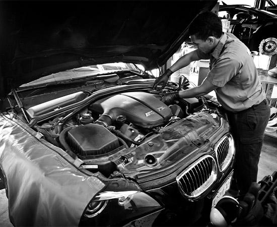 tech servicing BMW